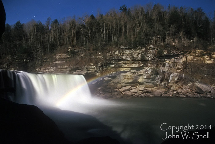 Dogslaughter Moonbow at Cumberland Falls